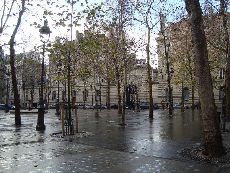 LES CASERNES PARISIENNES. 800px-11