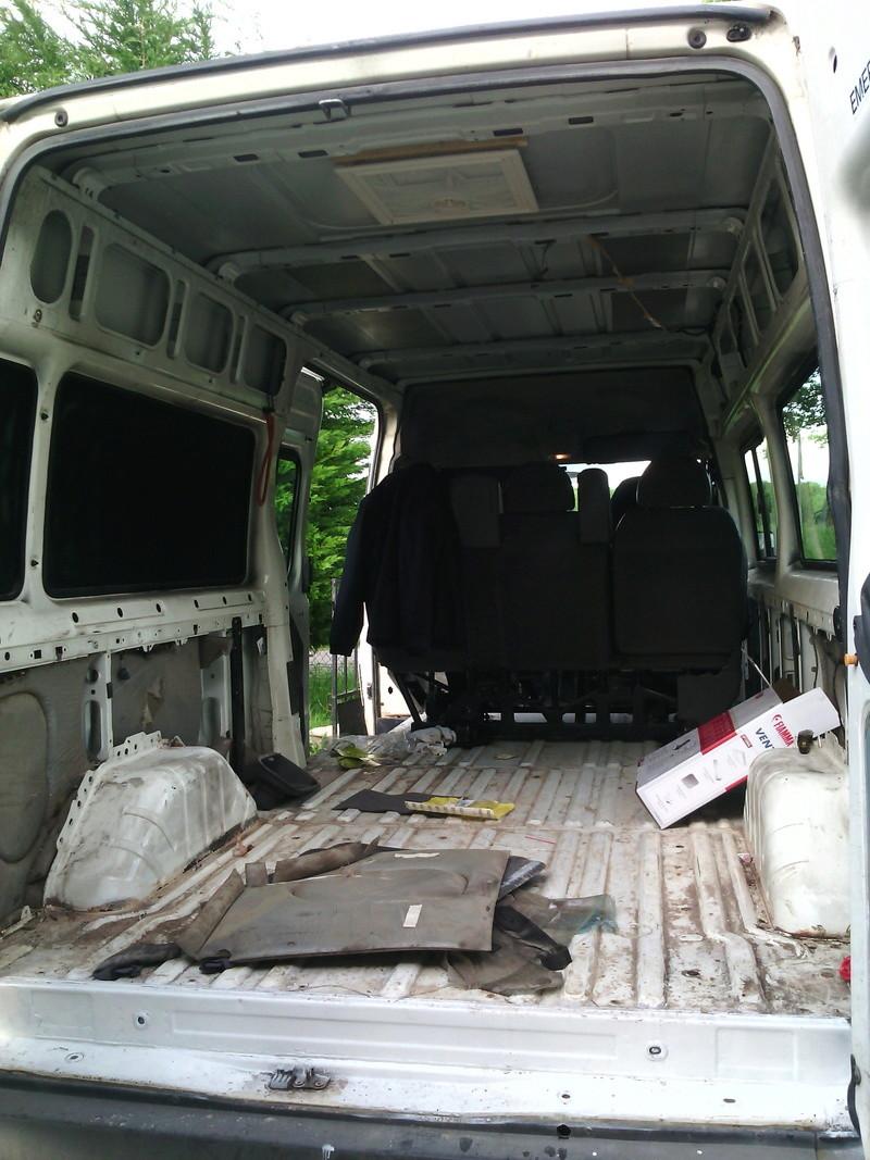 [MK6] minibus en route vers l'amenagement Img_2011