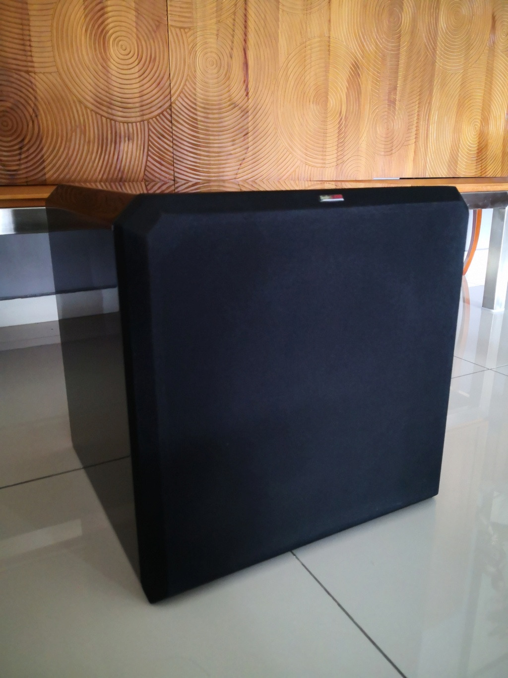 SOLD Sunfire HRS-12 Powered Subwoofer (Used) Img_2054