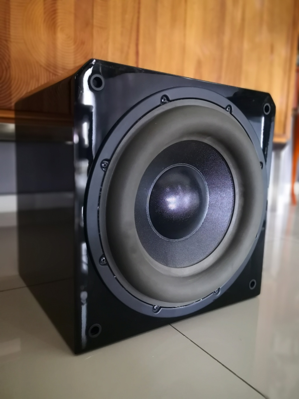 SOLD Sunfire HRS-12 Powered Subwoofer (Used) Img_2056