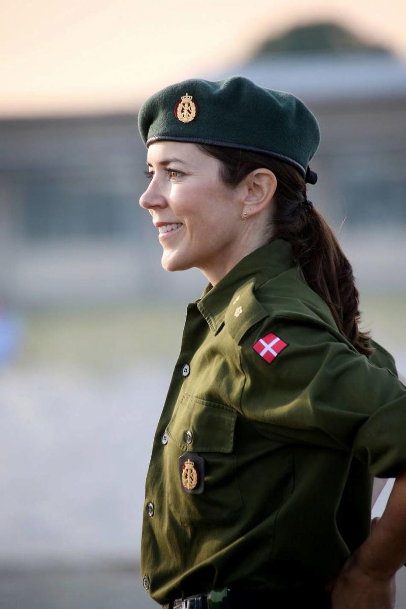 playmette et playboy militaitre du  Danemark  ( juin 2016)..................vive l'europe du nord! 17838710