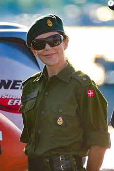 playmette et playboy militaitre du  Danemark  ( juin 2016)..................vive l'europe du nord! Ee918110