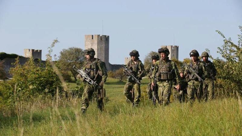 La Suède rétablit le service militaire obligatoire Xvmddd10