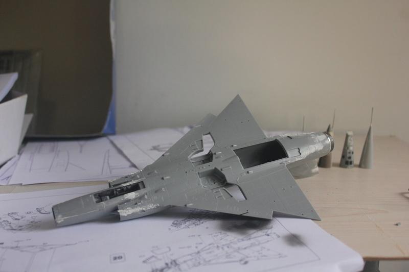 Mirage III ou 5 bien sur....( Kinetic- 1/48 ) Img_2315