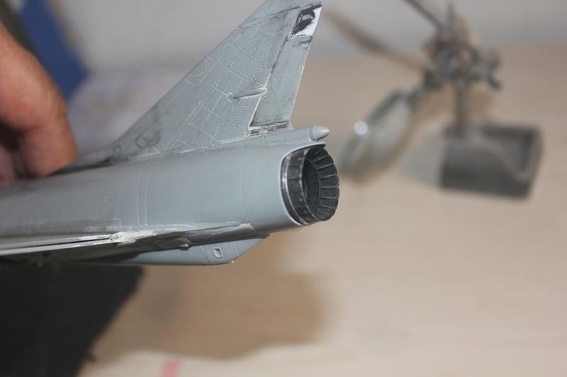 Mirage III ou 5 bien sur....( Kinetic- 1/48 ) Img_2316