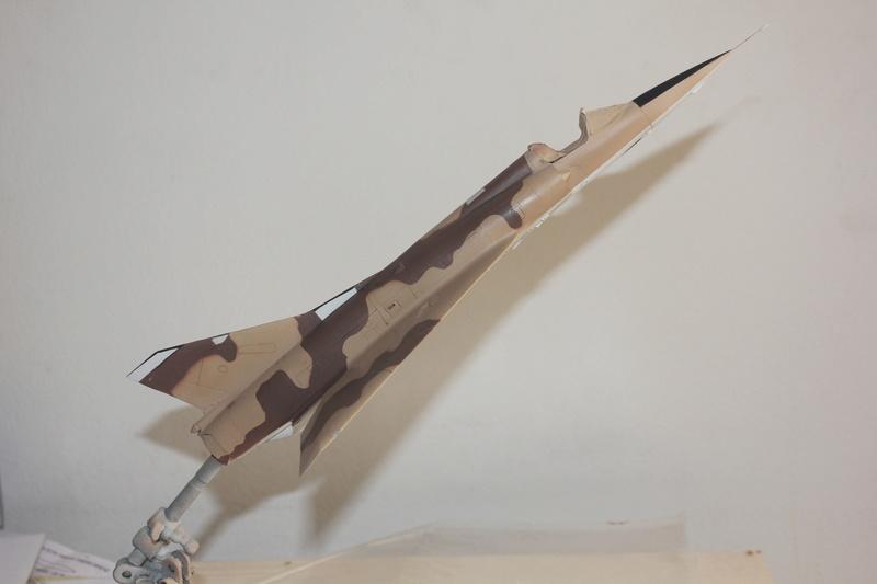 Mirage III ou 5 bien sur....( Kinetic- 1/48 ) - Page 2 Img_2412