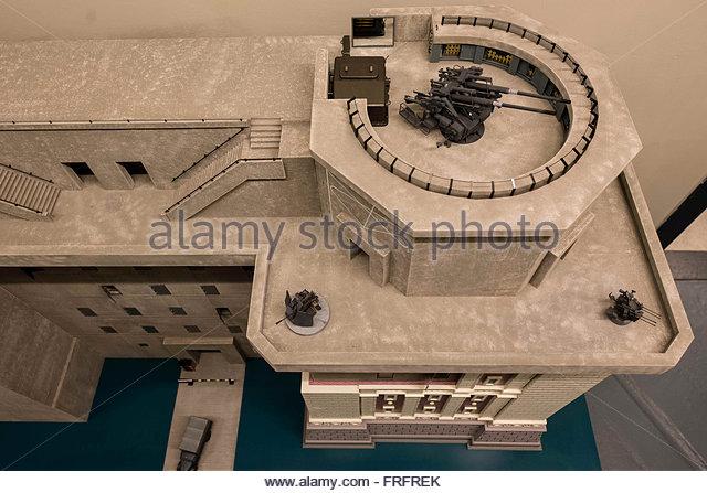 Flakturm de Vienne au 1/72 Flaktu13