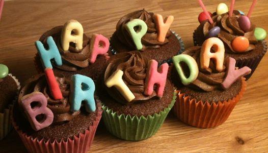 JOYEUX ANNIVERSAIRE !  le post de tous les anniversaires à fêter en choeur, et avec coeur!!!! - Page 36 15450410