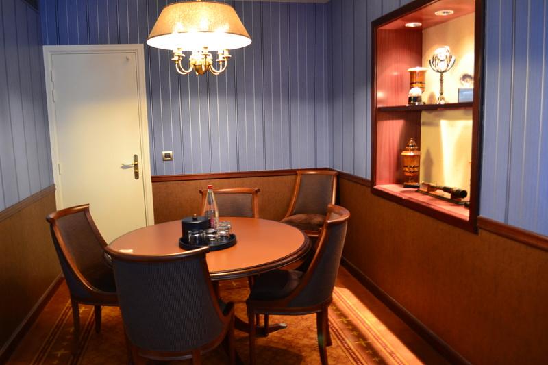 Disney's Newport BAY Club : COMPASS CLUB Dsc_0116