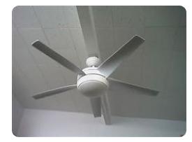 Ventilateur au plafond  est ce absolument obligé d'etre centré ? Captur38
