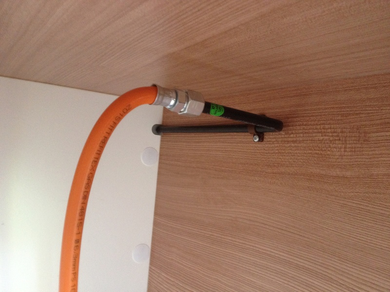 Modification installation dans coffre à gaz Img_5811