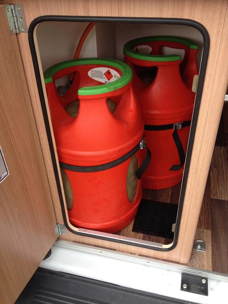 Modification installation dans coffre à gaz Img_5812