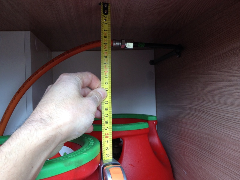 Modification installation dans coffre à gaz Img_5814