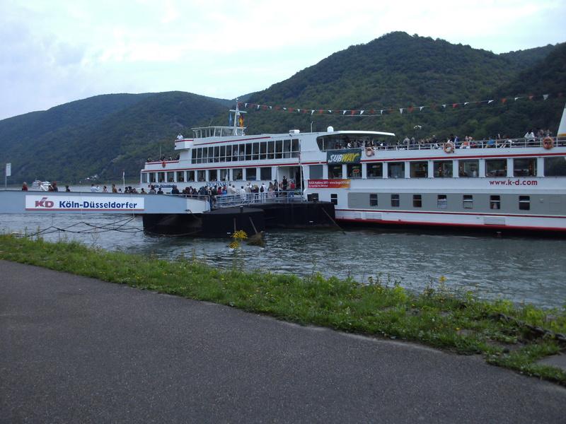 Bateaux  (sur fleuve/rivière/canal) 5_bach10