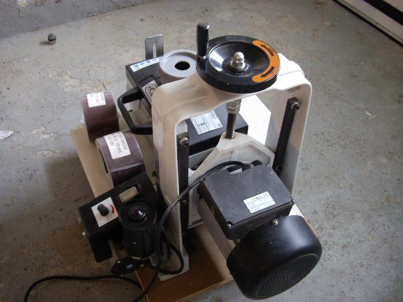 (VENDUE)À vendre ponceuse calibreuse à cylindre  Imgp3427
