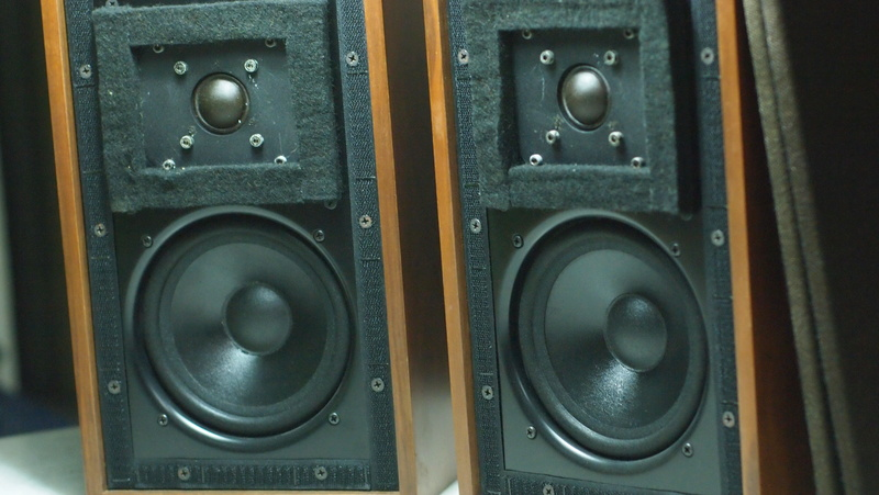 Ho's LS3/5A speakers  (Used) P1015710