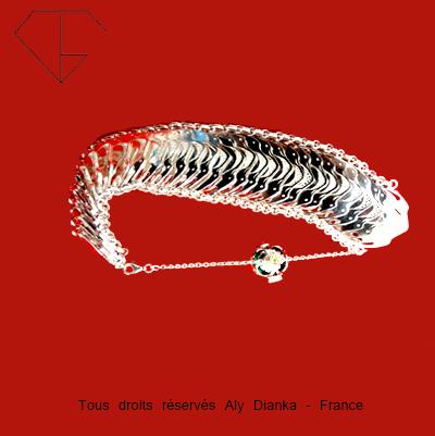 Bracelet Ecailles pour le Musée de Haguenau en Alsace Hag110