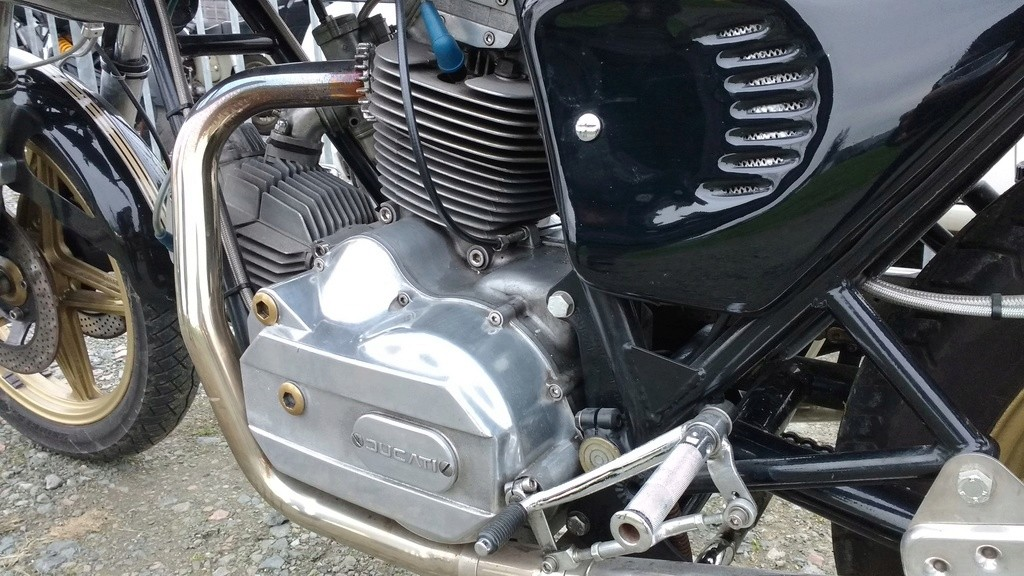 Un gros V twin Img_2033