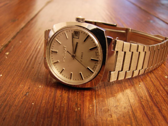 VENDS Poljot forme coussin bracelet siglé d'origine 49 € Dsc00510