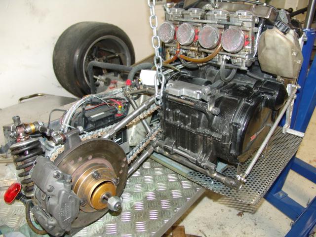 Interchangeabilité Moteur serie GPZ 900 .... Dsc05410