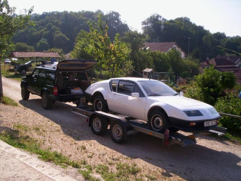 Une Renault plus modeste.... 000_0311