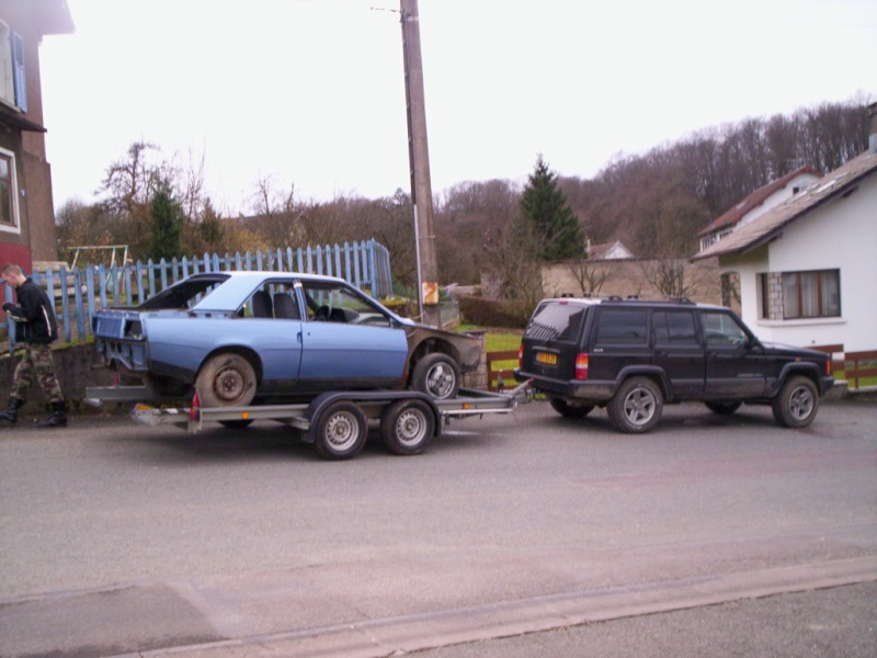 Une Renault plus modeste.... 000_0511