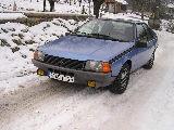 Une Renault plus modeste.... Debe3410