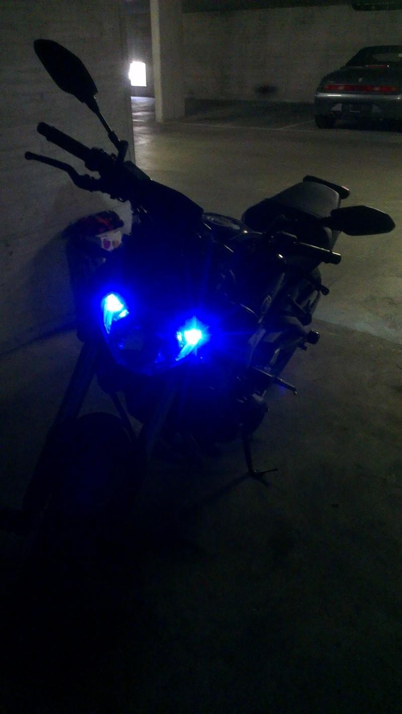 mon MT-09 race blu Imag0918