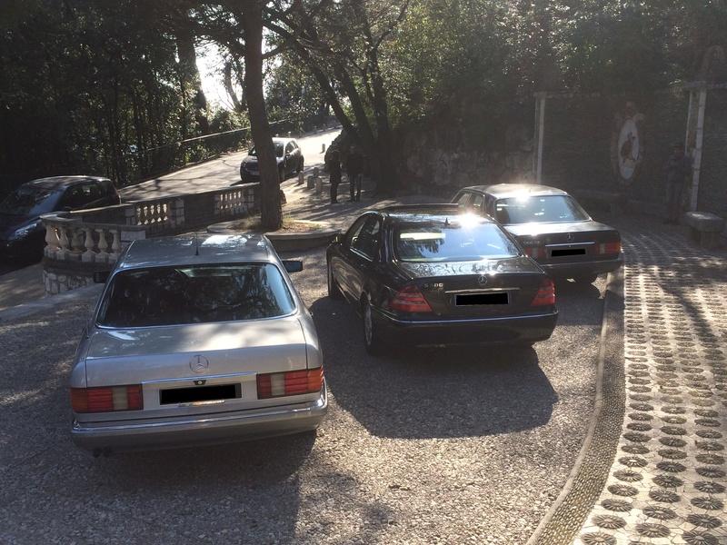 Trois Classe-S réunies à Nice pour se promener. Img_7510