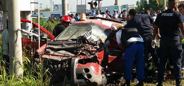 Presidente Perón: Un tren embistió una camioneta: hay cuatro heridos. 00123