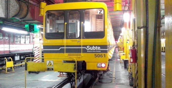 Por la crisis del material rodante, vuelven los CAF 5000 a la línea B de subterráneos. 00143