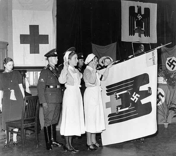 Personnel feminin DRK Deutsches Rotes Kreuz 15117010