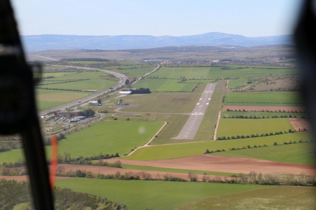 Demi-tour de France en hélicoptère Robinson R44 Img_0045