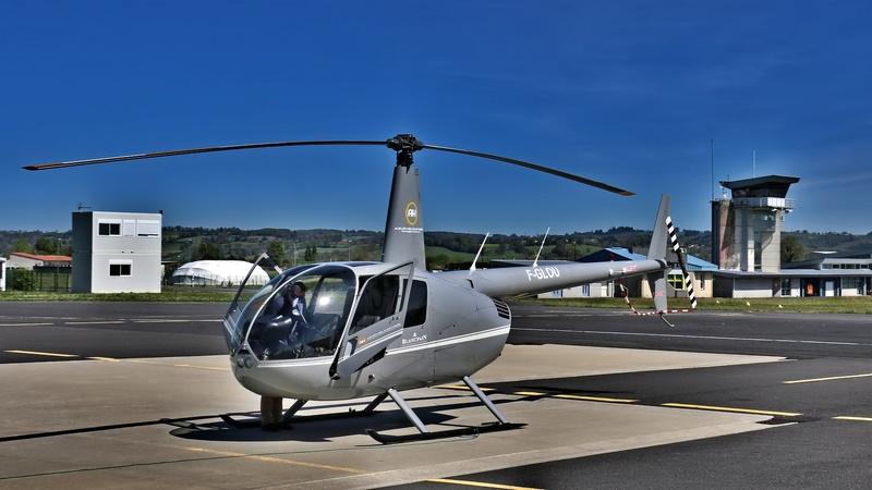 Demi-tour de France en hélicoptère Robinson R44 Img_0058