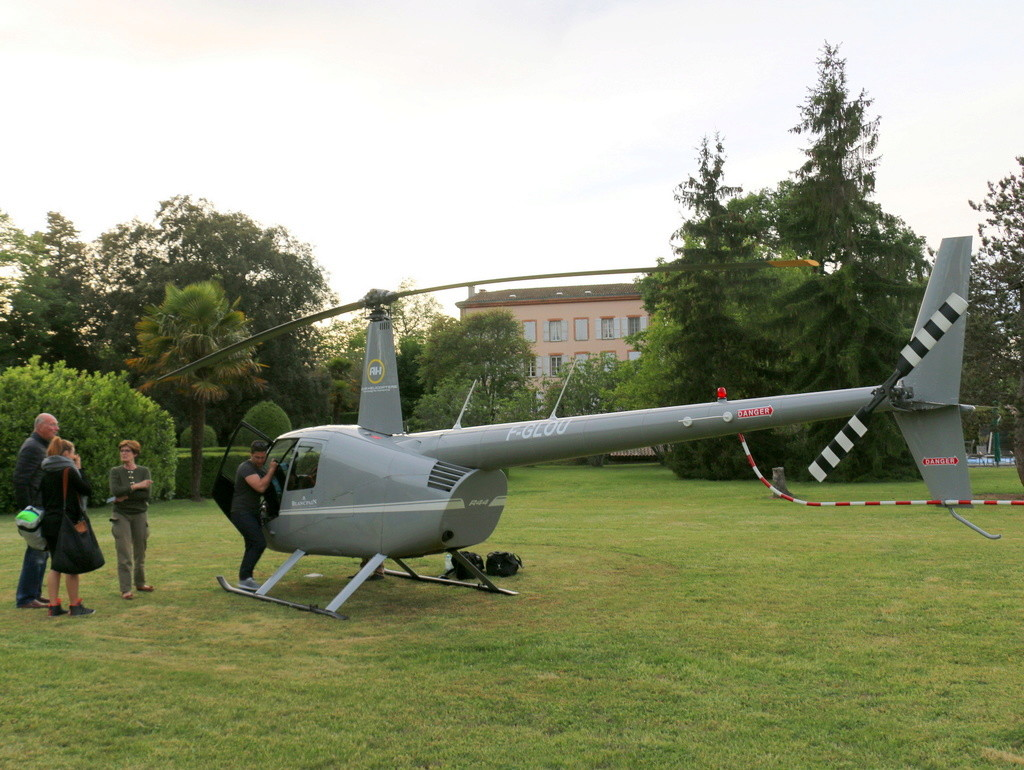 Demi-tour de France en hélicoptère Robinson R44 Img_0146