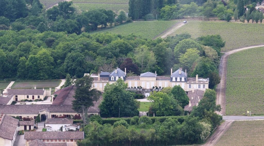 Demi-tour de France en Robinson R44 - Page 2 Img_0244