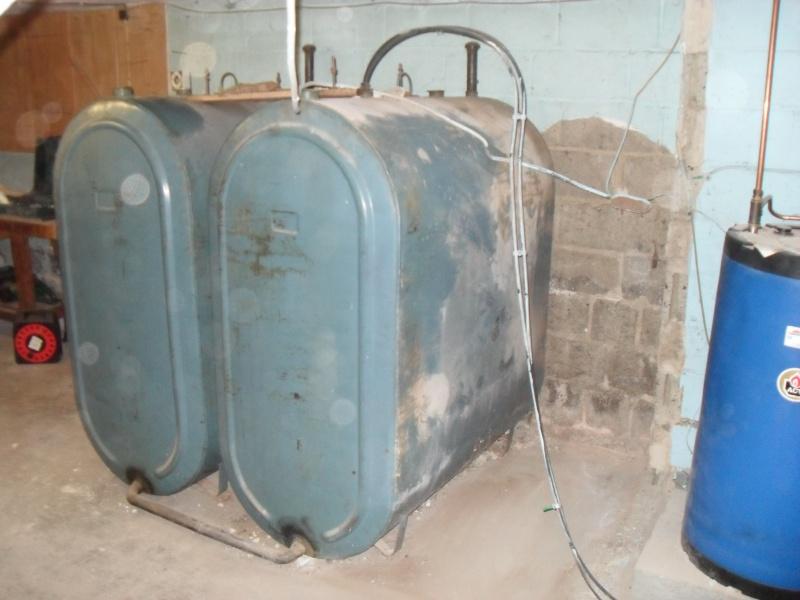 *hors sujet*  chaudière mazout récente + boiler + 2 citernes à vendre Sdc14211