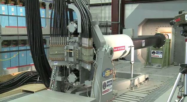 L'US Navy va tester un canon électro-magnétique à bord d'un navire en 2016 A322