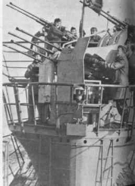 "Sous-marins anti-aériens ""U-Flak"" de la Kriegsmarine [3]. A512"