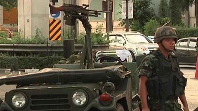 Loi martiale en Thailande Martia10