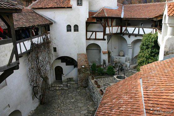 قلعه دراكولا في رومانيا بالصور Imagep58