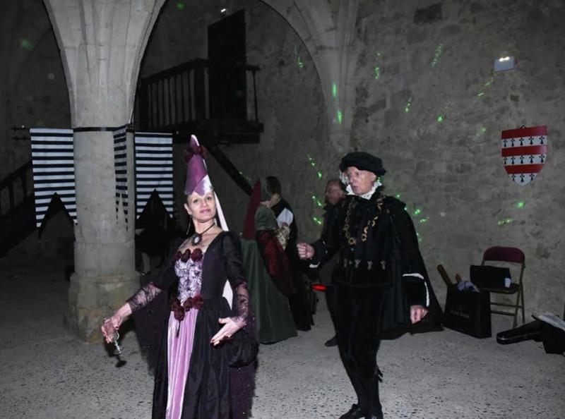Bal Renaissance au Château de Montmirail, les photos - Page 2 Ure10