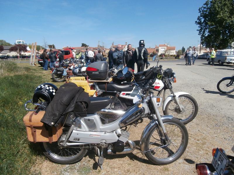 Retro Cyclos 2017 - Sortie Mobylettes et Solex au départ des Sorinières (44) le 23 Avril P4230020
