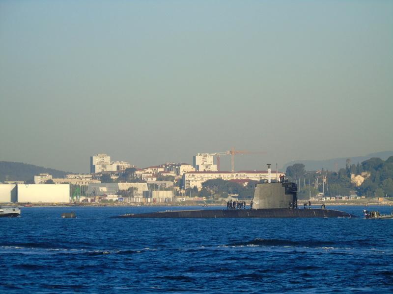 [LES PORTS MILITAIRES DE MÉTROPOLE] Mouvements de Bâtiments dans la rade de Toulon - Page 13 Dsc01810