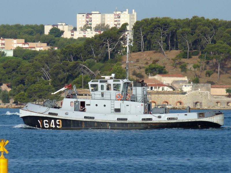 [LES PORTS MILITAIRES DE MÉTROPOLE] Mouvements de Bâtiments dans la rade de Toulon - Page 13 Port_c11
