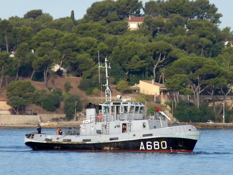[LES PORTS MILITAIRES DE MÉTROPOLE] Mouvements de Bâtiments dans la rade de Toulon - Page 13 Sicie11