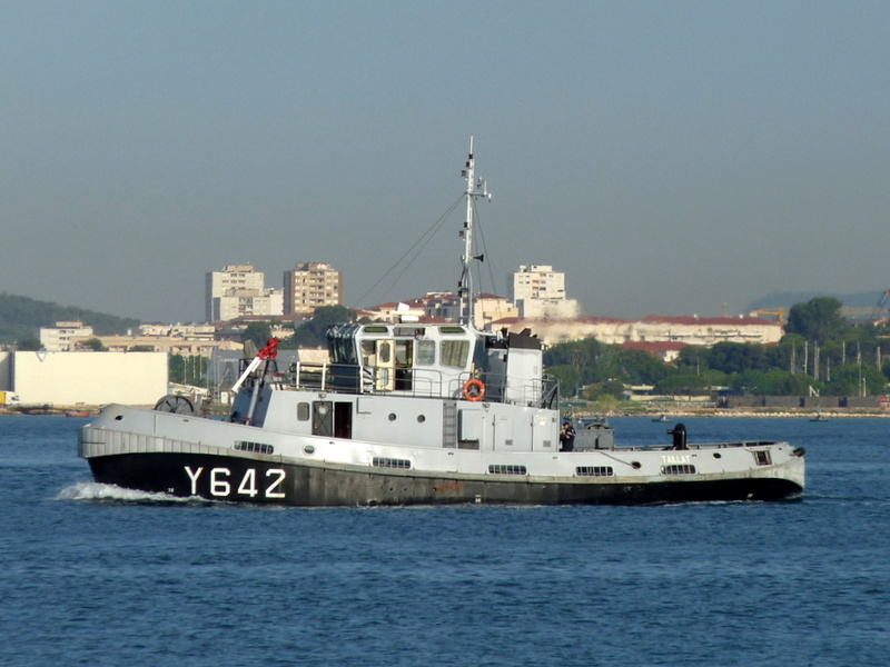 [LES PORTS MILITAIRES DE MÉTROPOLE] Mouvements de Bâtiments dans la rade de Toulon - Page 13 Tailla10