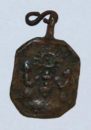 Médaille avers: saint sacrement  revers : notre dame du Puy. XVII -XVIII ém Dsc_8610