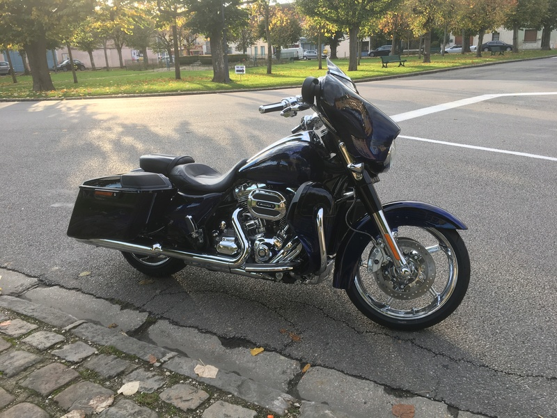 Street Glide CVO combien sommes nous sur Passion-Harley - Page 5 Img_0710