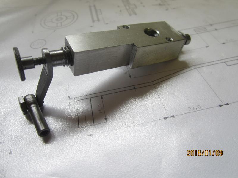 """tracteur lanz : fabrication d'une """"miniature""""  024_310"""
